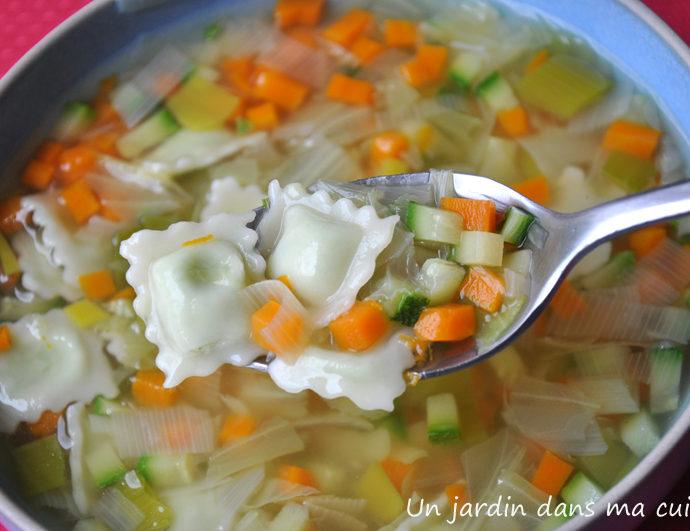 Soupe de légumes aux ravioles