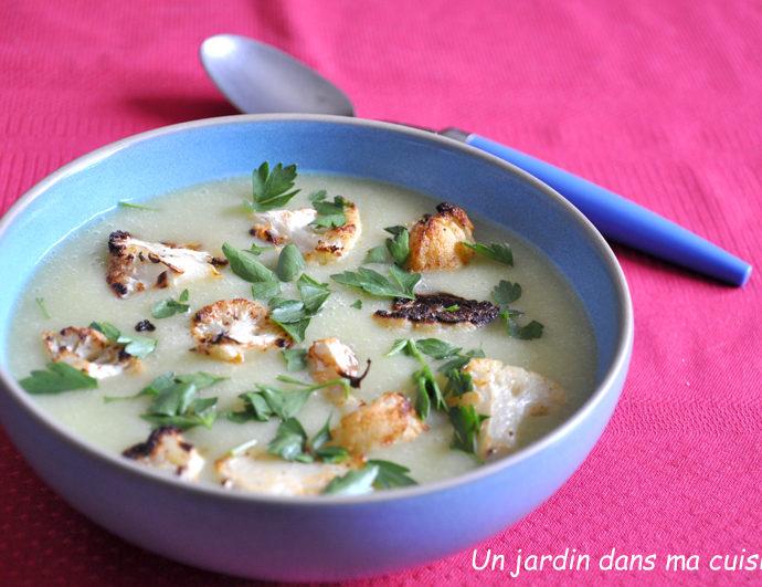 soupe feuilles de chou-fleur et ses bouquets