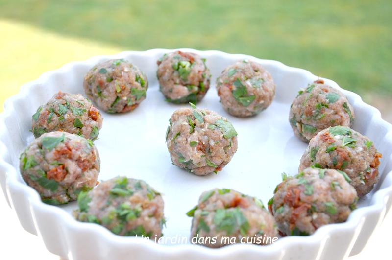 Boulettes de veau tomates séchées et persil plat