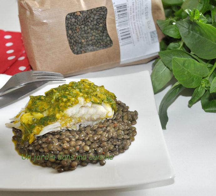 Cabillaud vapeur douce sauce herbes sur lit de lentilles